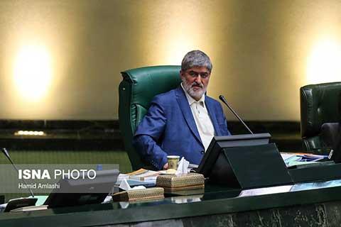 آیینه یزد - آقایان موسوی و کروبی با مشکل سلامتی مواجه هستند ممکن است نظر رهبری هم تغییر کرده باشد