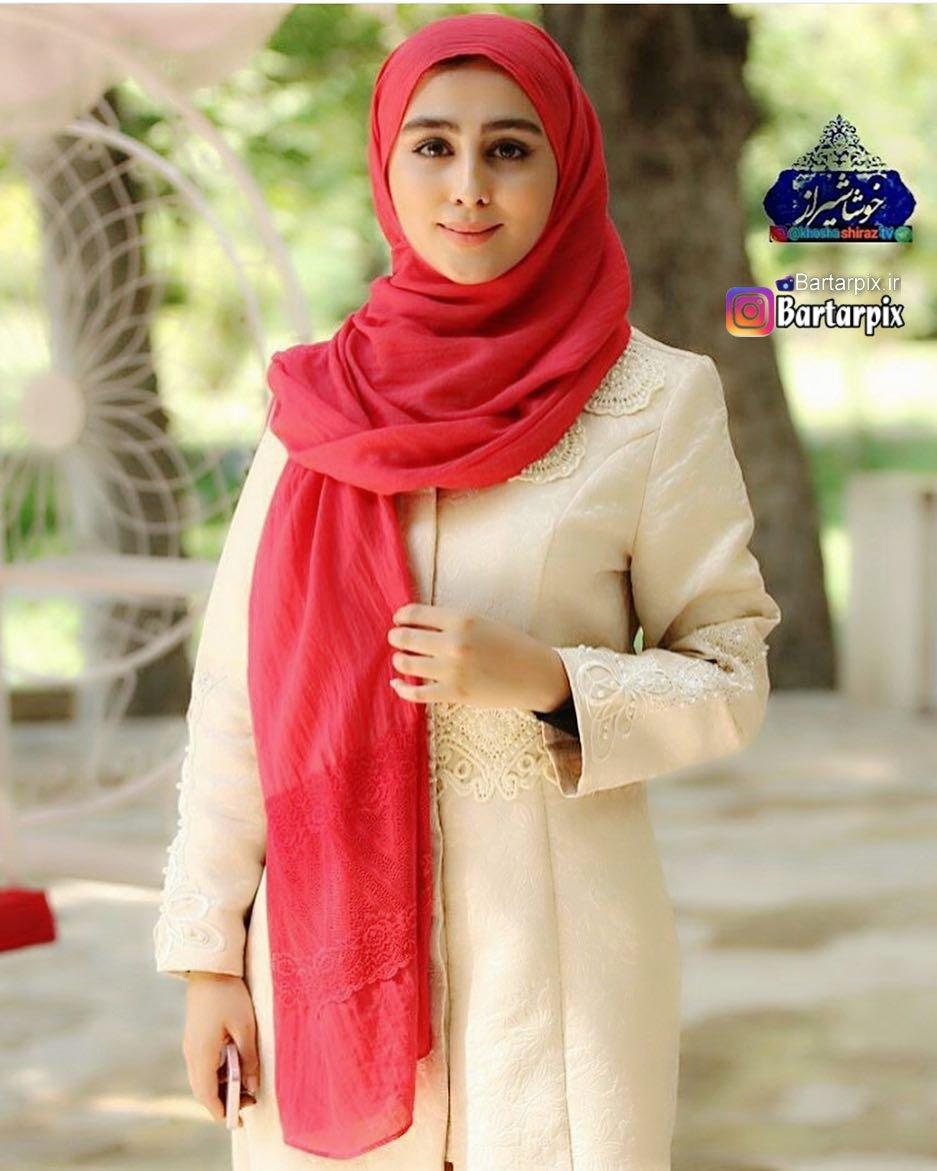 http://s8.picofile.com/file/8308323018/www_bartarpix_ir_setareh_hosseini_2_.jpg