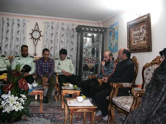 دیدارنیروی انتظامی با خانواده شهید محمدعلی دولت آبادی به مناسبت هفته ناجا