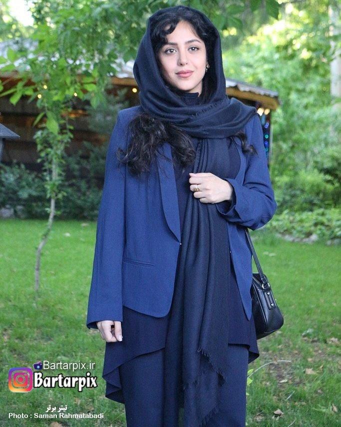 http://s8.picofile.com/file/8310234342/www_bartarpix_ir_hengamehamidzadeh_sal96_2_.jpg