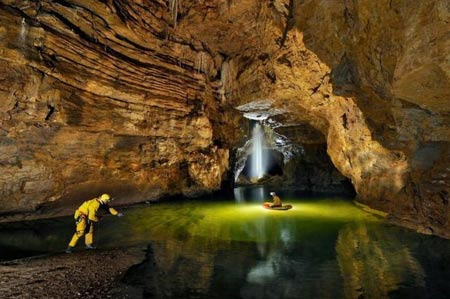 غار ار وانگ دانگ در چین