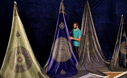 تسریع در بهرهبرداری نمایشگاه فرش دستباف قم