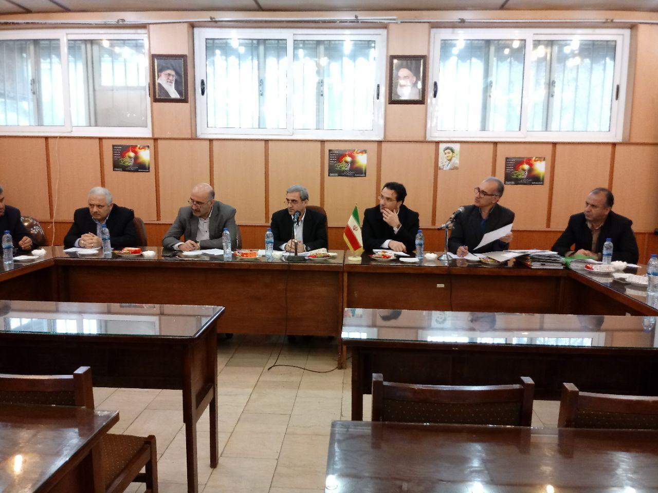 رییس کمیسیون نظارت استان گیلان:  بازار و صنوف، ویترین شهر برای جذب گردشگری محسوب می شود
