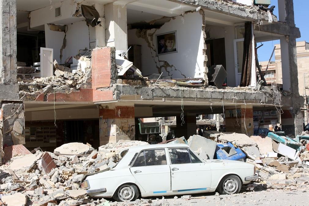 تصاویر گاردین از زلزله غرب ایران