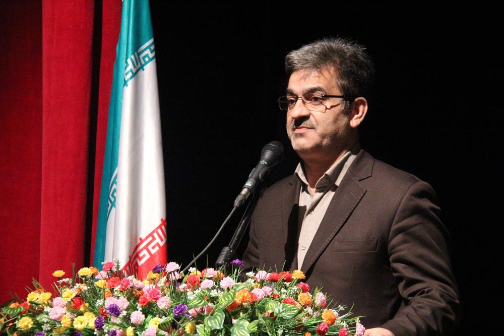 فیروز فاضلی : رسانهها در زلزله کرمانشاه به وظیفه خود خوب و دقیق عمل کردهاند