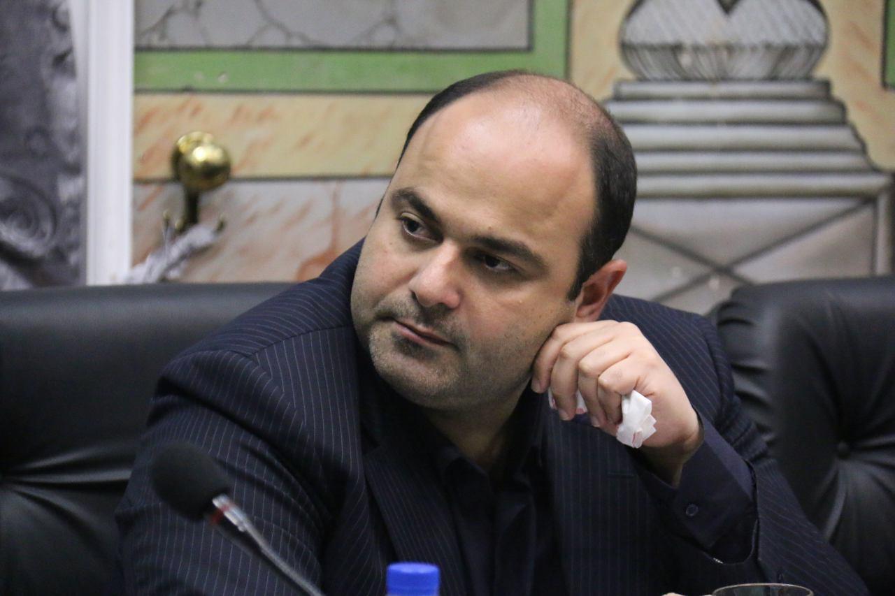 انتقاد شدید رضا رسولی مشکلات ترافیکی رشت در حد دیپلم ردی است / معاونت عمرانی شهرداری رشت سیاه چاله است