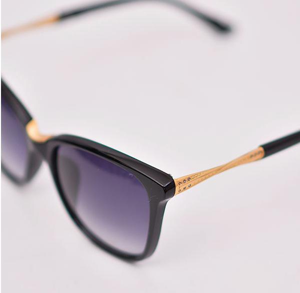 عینک آفتابی طرح سوارسکی
