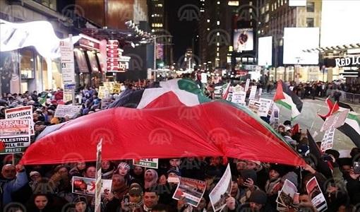 تظاهرات هزاران نفری در واشنگتن و نیویورک در اعتراض به تصمیم ترامپ درباره قدس