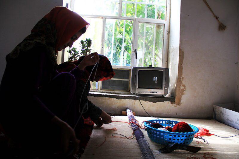 ۷۱۰۰ قالیباف در شهرستان رازوجرگلان؛ تنها ۲ درصد تحت پوشش بیمه ای / عدم حمایت مسئولین و رفتن بافندگان به سمت شغل های کاذب