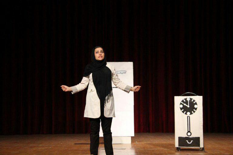 بانوی بجنوردی، برنده ی تندیس بهترین طراحی صحنه در جشنواره تئاتر شرق کشور