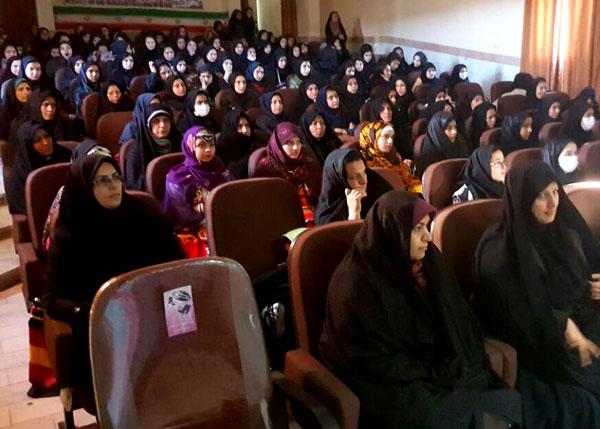 همایش پیشگیری از آسیب های اجتماعی فضای مجازی ویژه دختران و مادر شهرستان راز