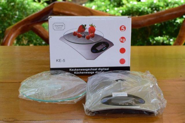 خرید ترازوی دیجیتالی آشپزخانه توت فرنگی