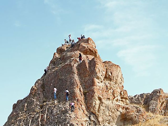 صعود به قلعه جوشین