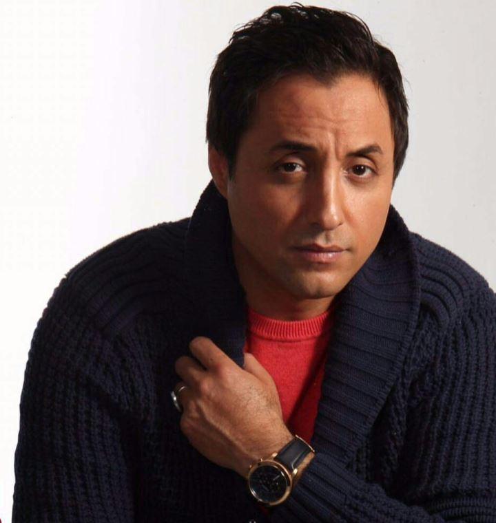 واکنش امیرحسین رستمی به پخش سریال طنز «لیسانسهها» در شب اندوه ایران