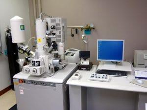 میکروسکوپ الکترونی برای مشاهدۀ داخل سلول