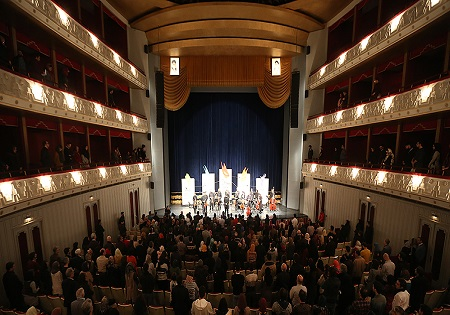 تماشای کنسرت ارکستر ملی به صورت ایستاده/ وقتی تالار وحدت جای سوزن انداختن نبود