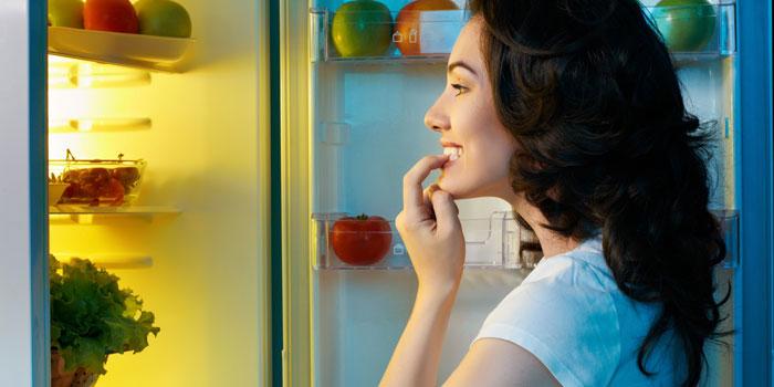 برای لاغر شدن باید از خوردن هلههوله در طول روز پرهیز کنید