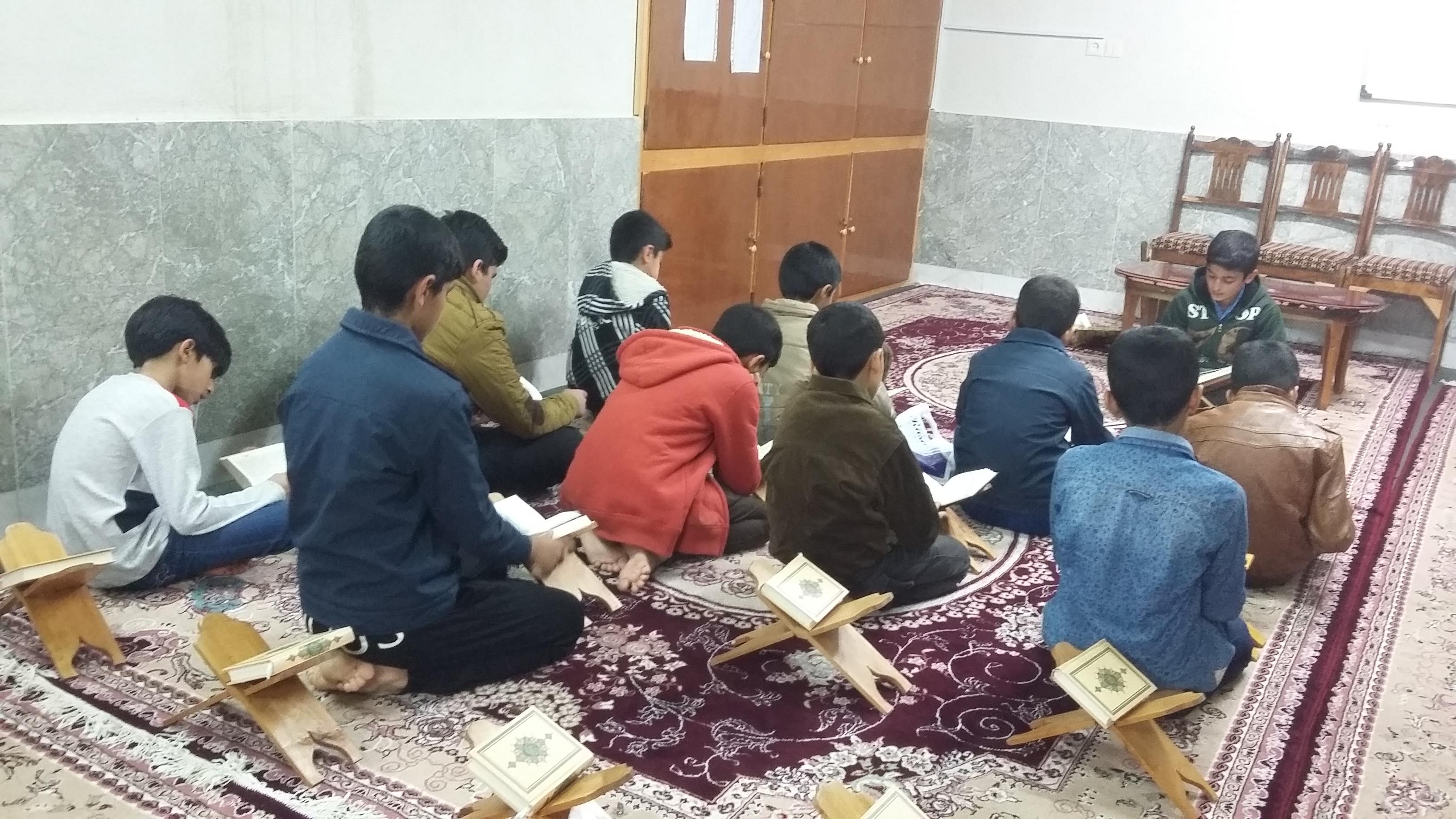 جلسه قرآن و قطره ای از نهج البلاغه                                 کانون فرهنگی شهید ابراهیم برزگران