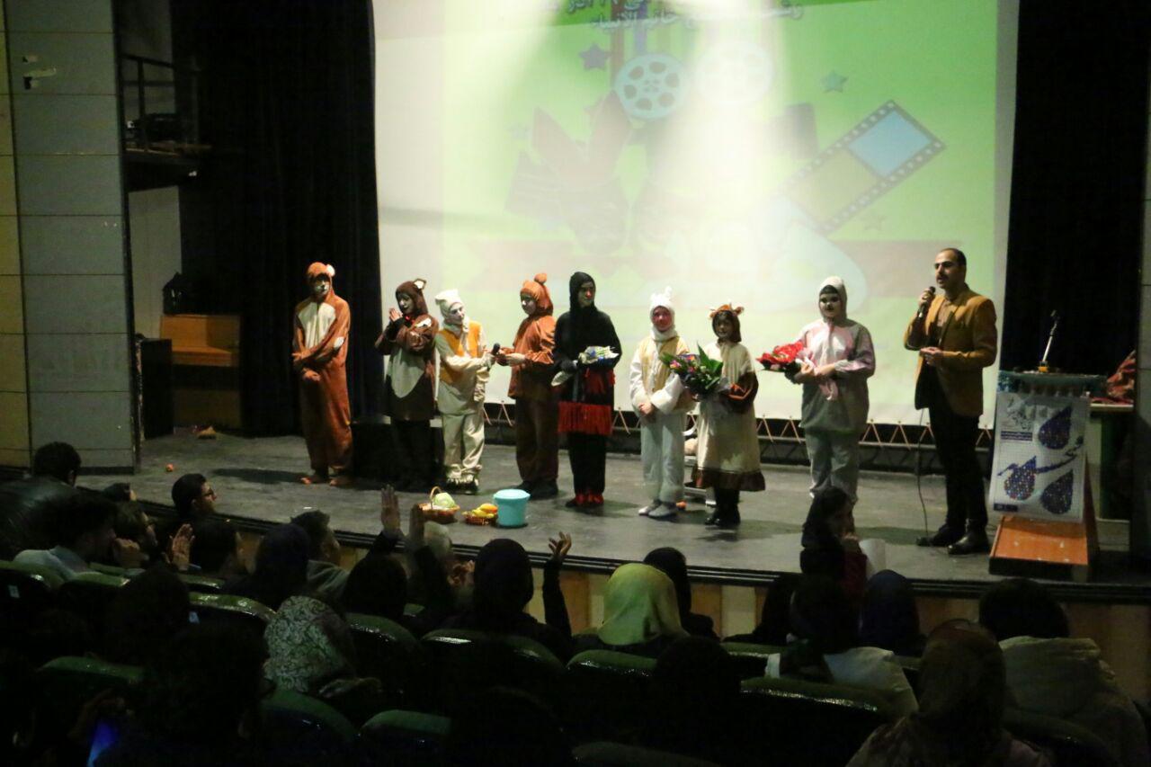 پنجمین روز برگزاری جشنواره فرهنگی هنری فجر رشت