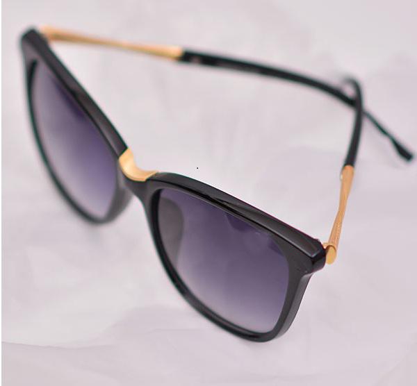 عینک آفتابی طرح سواروسکی swarovski اصل مشکی