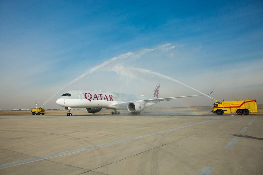 فرود اولین ایرباس ۳۵۰ و بوئینگ ۷۸۷ در ایران با هواپیمایی قطر