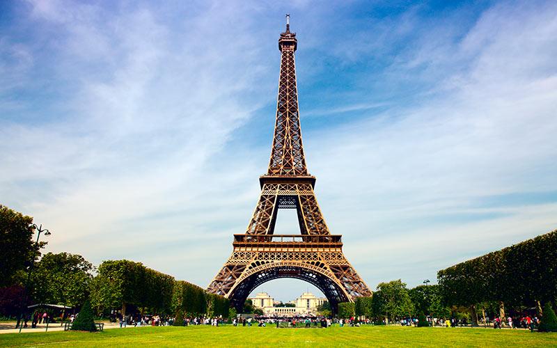 برج ایفل در پاریس؛ فرانسه