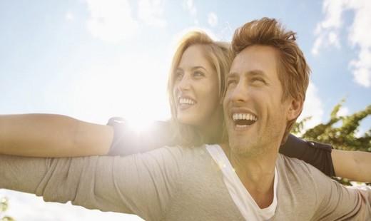 مردان عشق خود را چگونه ابراز می کنند؟