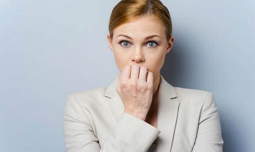 ۱۰ روش موثر برای این که عادت ناخوشایند ناخن جویدن را کنار بگذارید