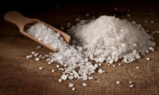 خوردن نمک در مقادیر فراوان چه تاثیری بر روی بدن شما خواهد داشت؟
