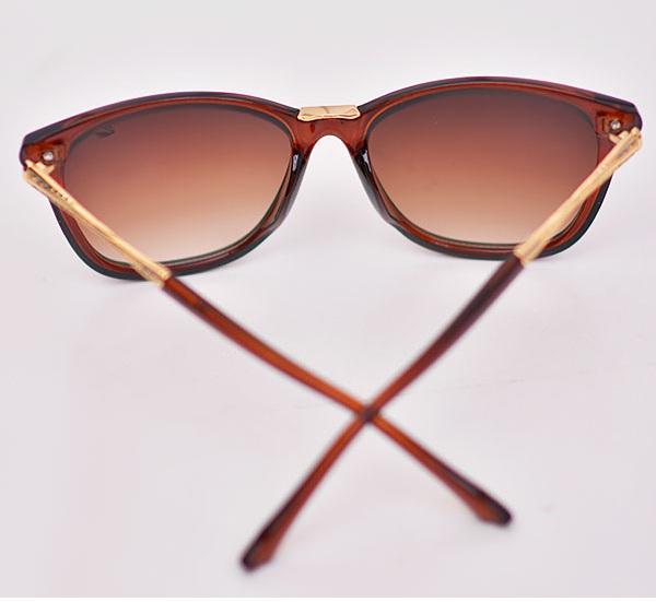 عینک آفتابی زنانه فریم قهوه ایی طرح سواروسکی swarovski