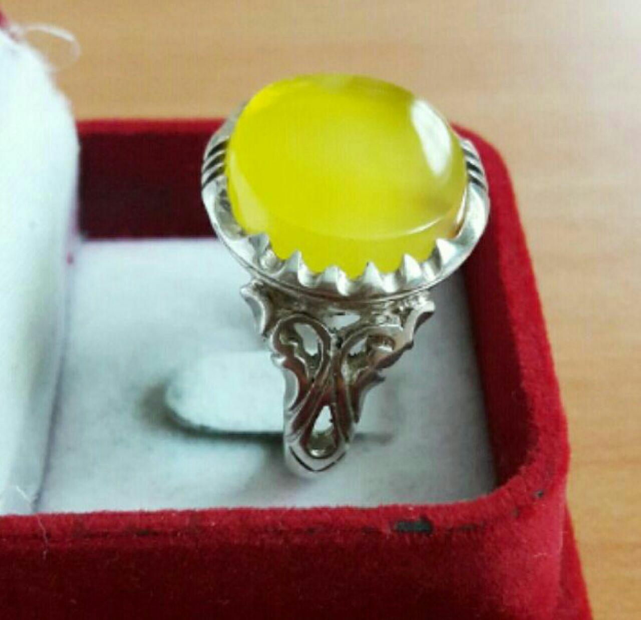 انگشتر عقیق زرد پشت بسته مپخصوص شرف الشمس