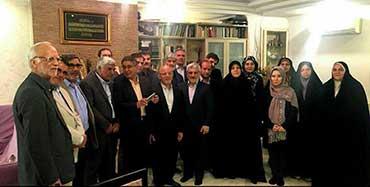 آیینه یزد - دیدار جمعی از نمایندگان مجلس با دختران میرحسین موسوی