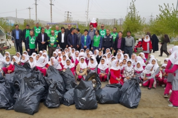 زمین پاک و دانش آموزان ملایری