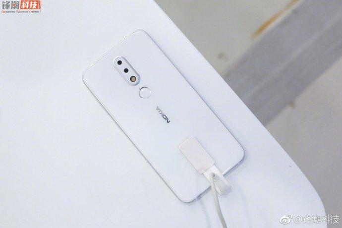 نوکیا ایکس 6(Nokia X6)