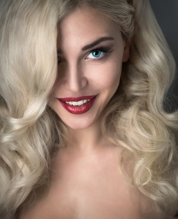 Blonde_blonde_girl_HD_picture_04.jpg