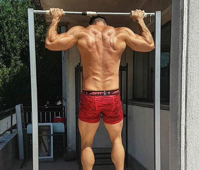 بارفیکس تمرین ورزش