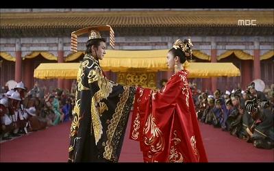 عکس سریال ملکه کی