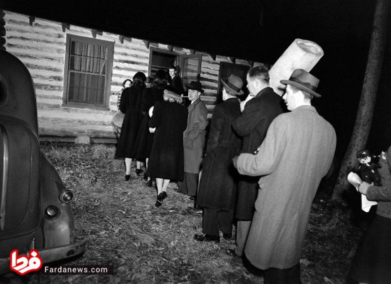 33 -  تصاویر :  مراسم جادو کردن هیتلر توسط غیب گوی آدم خوار !