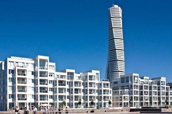 فناوری هایی که ساختمان ها را در برابر زلزله مقاوم می کنند .