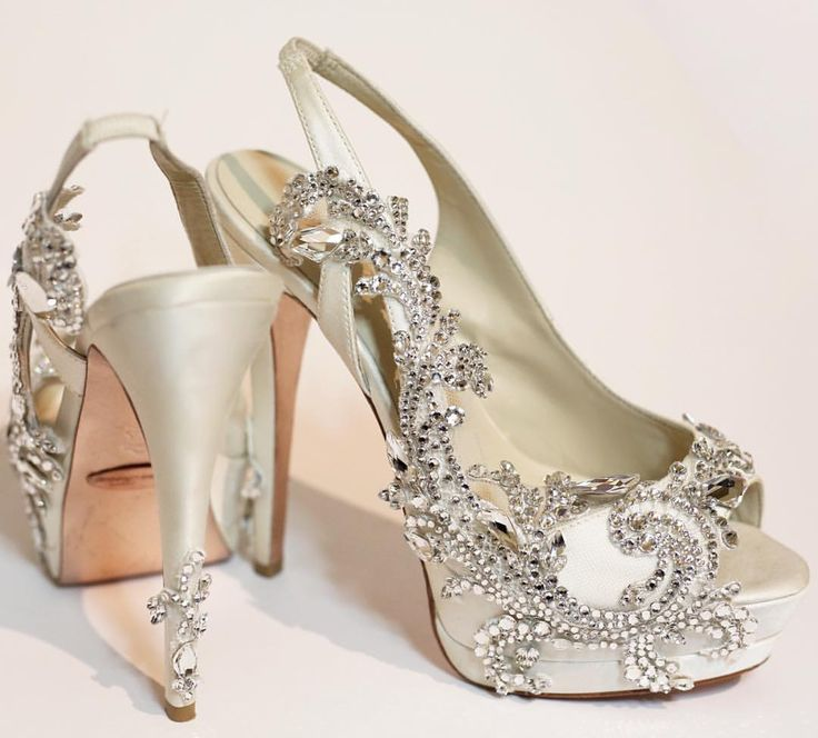 کفش عروس 2018  کفش پاشنه بلند عروس  کفش عروس لژدار  خرید کفش عروس  کفش عروس 2017  کفش عروس پاشنه پهن  کفش عروس پاشنه بلند سفید  کفش پاشنه کوتاه عروس کفش لاکچری عروس