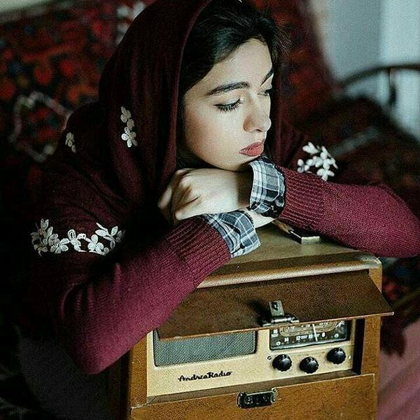 آنکه از درد دل خود بفغانست منم