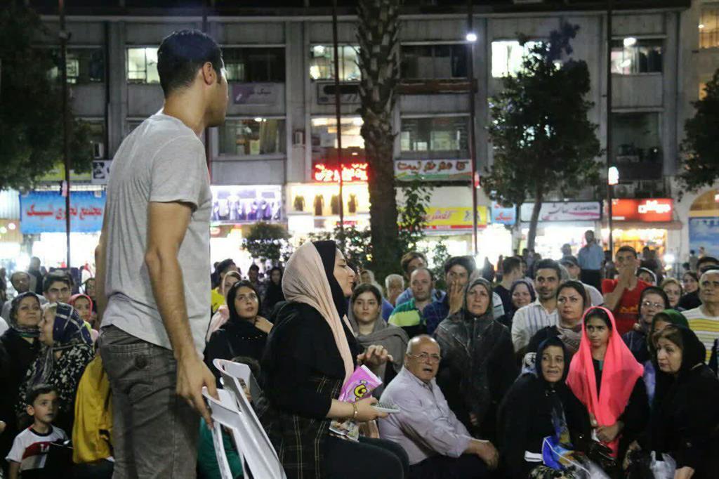 گزارش تصویری از برگزاری تئاتر خیابانی در پیاده راه فرهنگی رشت