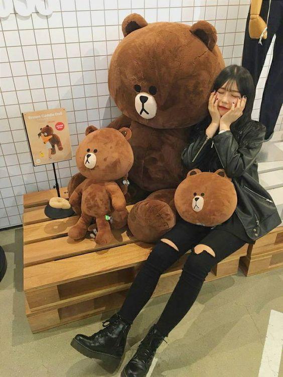 http://s8.picofile.com/file/8334001784/5d6b027fefabc5f62d283acb60b4d64f_korean_ulzzang_ulzzang_girl.jpg