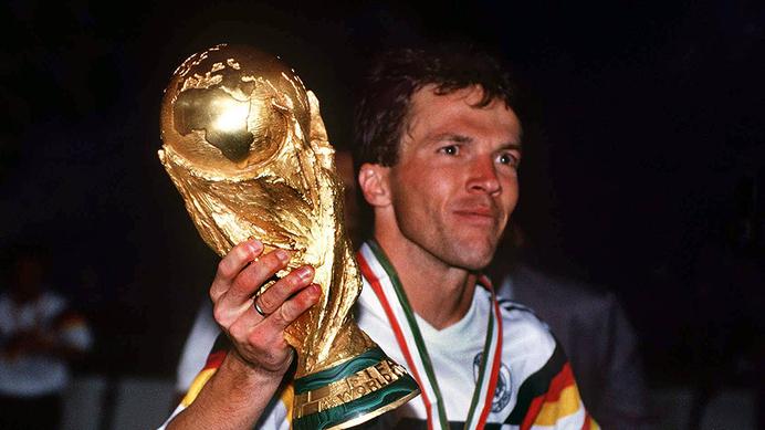 کدام بازیکن آقای گل جام جهانی 1990شد؟