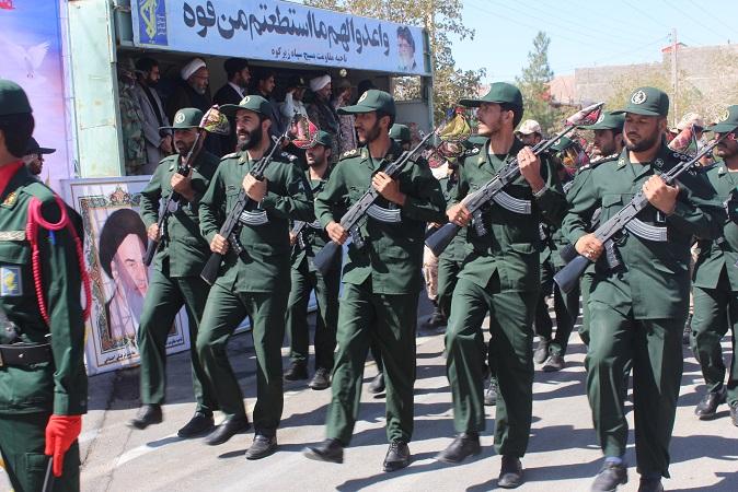 رژه نیروهای مسلح به مناسبت هفته دفاع مقدس در شهرستان زيرکوه