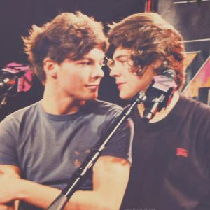 http://s8.picofile.com/file/8338441600/vanilla_twilight_larry_stylinson_by_larry_stylinson_d5ssxws.jpg