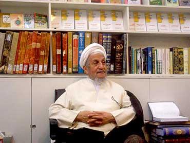 آیینه یزد - بیمهریها به امام خمینی همچنان ادامه دارد