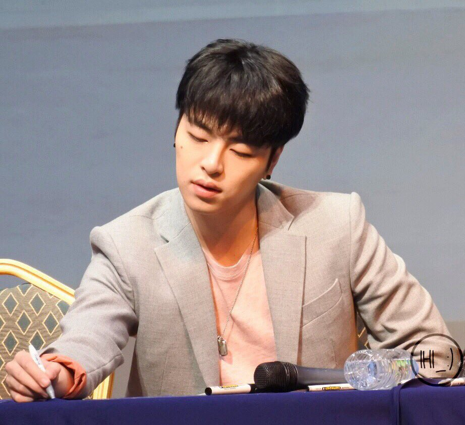 20180218 Fan Signing Event in Noryangjin 5