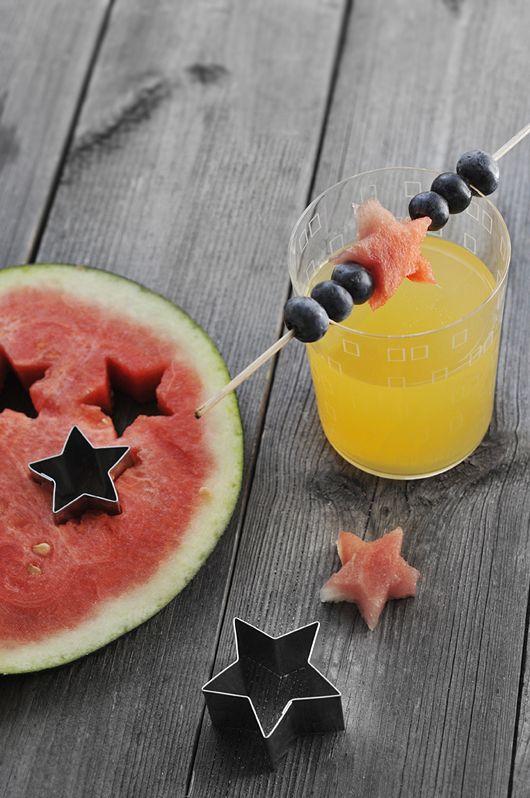 سرو هندوانه به همراه نوشیدنی