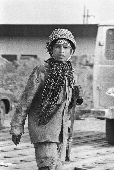 رزمنده ایرانی در زمان جنگ